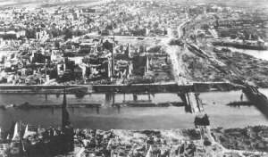 Bremen, 1945. AAF.