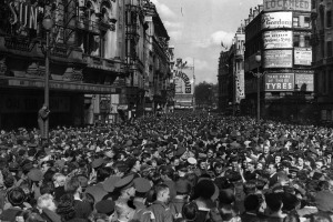 15 August 1945: Crowds assemble in Piccadilly Circus to celebrate the news of Japan's surrender and the end of the second world war. (Keystone/Getty Images)